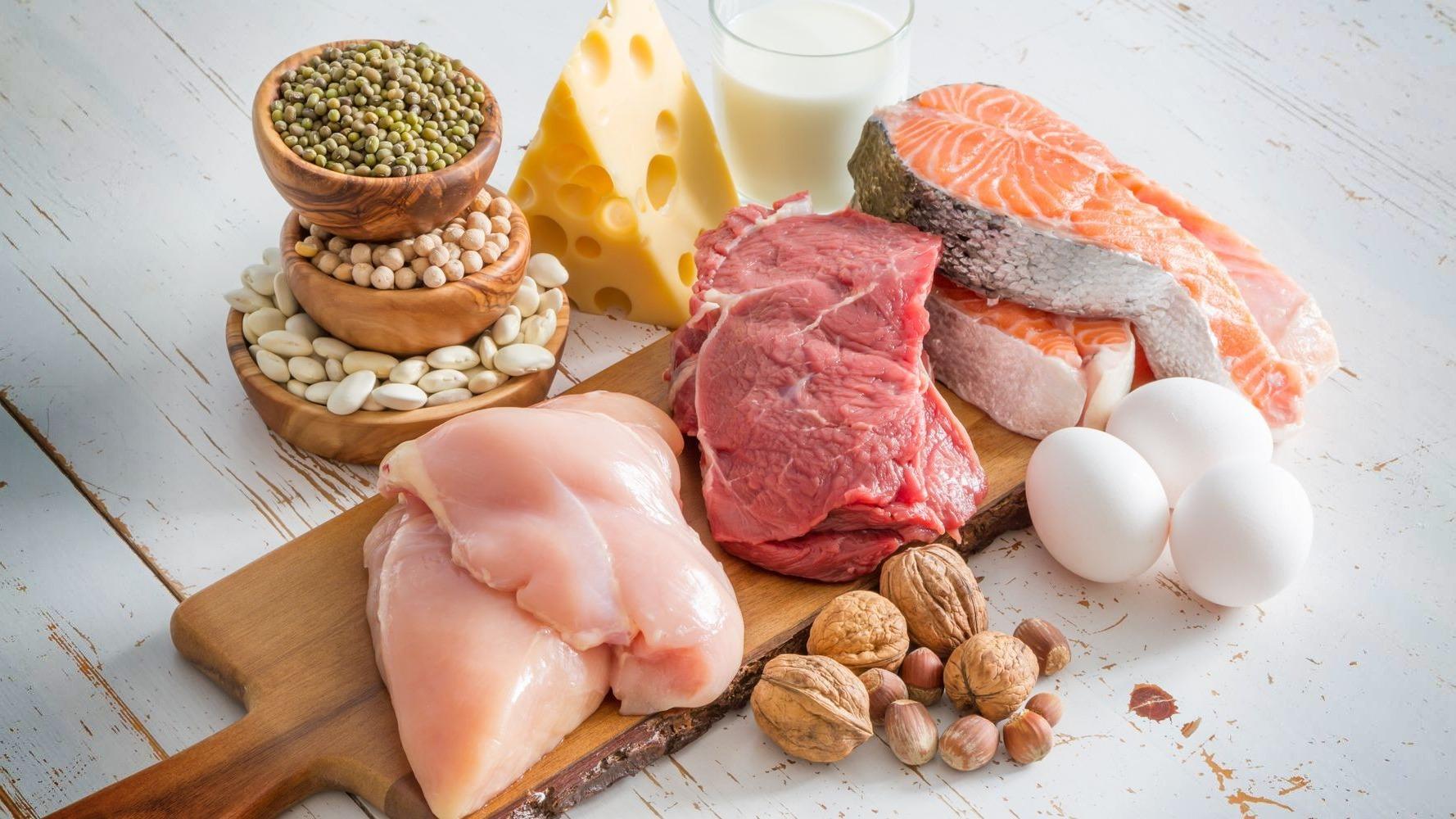 اطعمة منخفضة الكربوهيدرات من اللحوم والبيض