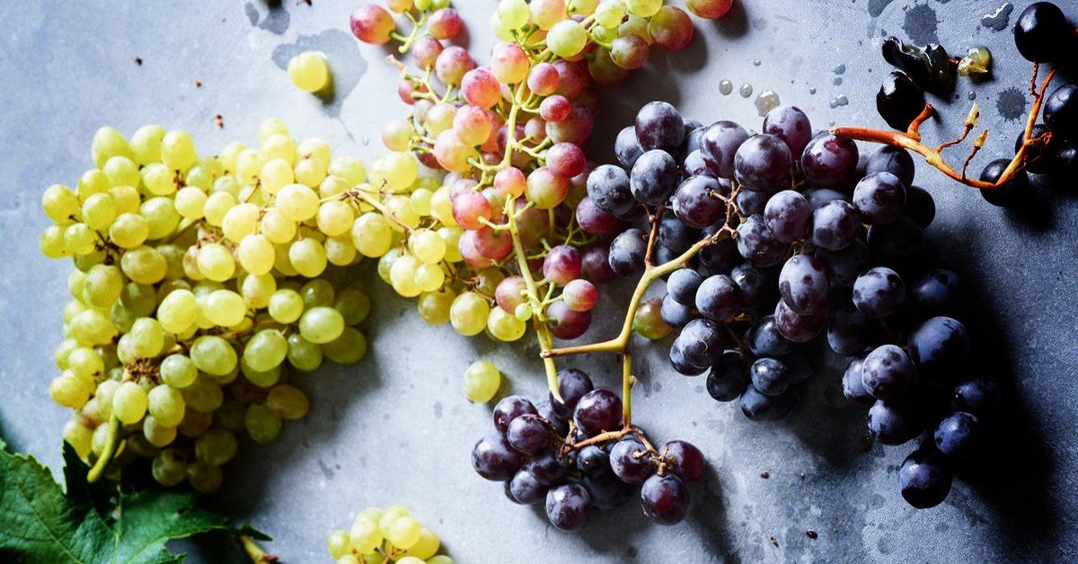 القيمة الغذائية للعنب وفوائد العنب