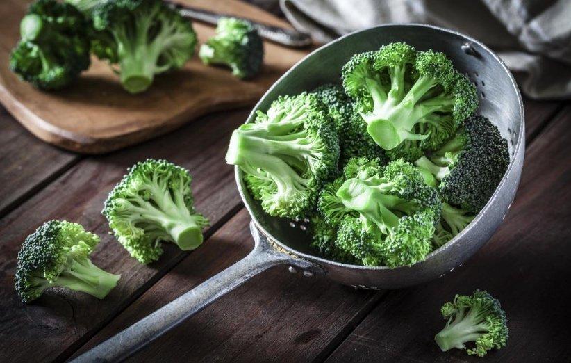 البروكلي من مصادر حمض الفوليك في الاطعمة