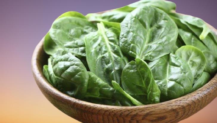 هل السبانخ من الخضروات المسموحة في الكيتو