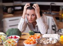 الأطعمة التي تسبب القلق